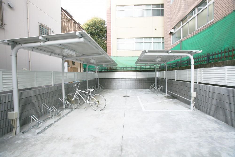 屋外共用スペース・駐輪場