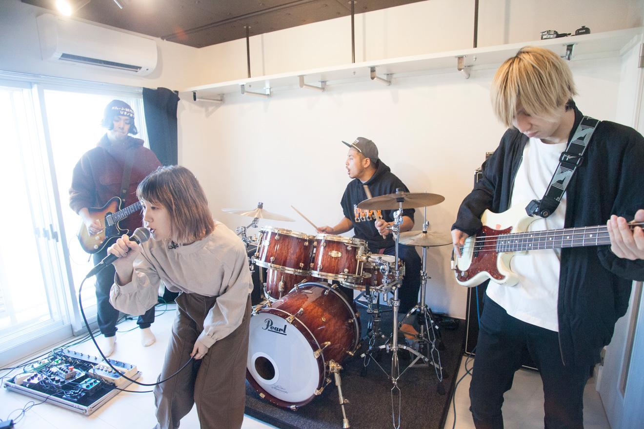 【vol.3】4人組バンド・あいくれ「防音マンションなら、24時間ミュージシャンでいられる」 / 動画・インタビュー記事公開